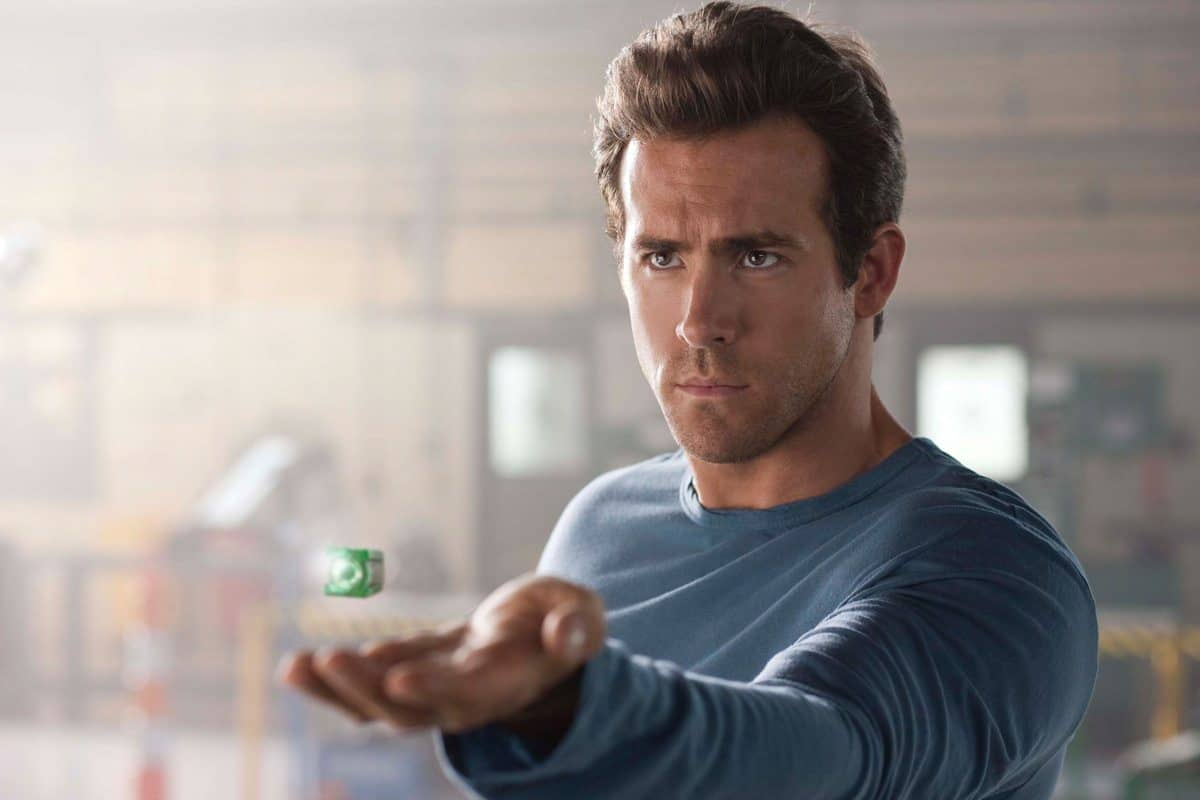 RYAN REYNOLDS as Hal Jordan in Warner Bros. PicturesÕ action adventure ÒGREEN LANTERN,Ó a Warner Bros. Pictures release. TM & © DC Comics