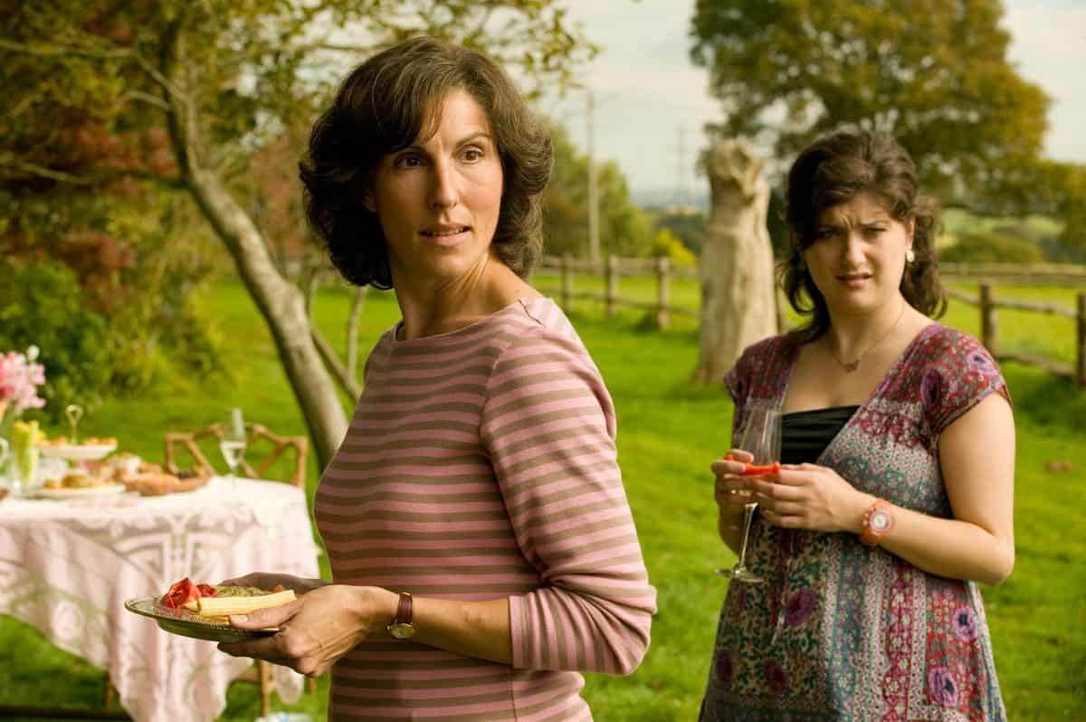 TAMSIN GREIG as Beth Hardiment and LOLA FREARS as Poppy Hardiment in TAMARA DREWE