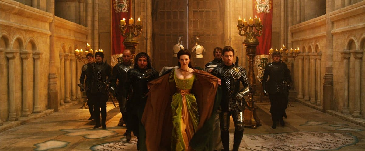 "(L-r center) Mingus Johnston as Bald, EDDIE MARSAN as Crawe, ELEANOR TOMLINSON as Isabelle and Ewan McGregor as Elmont in New Line Cinema's and Legendary Pictures' action adventure ""JACK THE GIANT SLAYER,"" a Warner Bros. Pictures release."