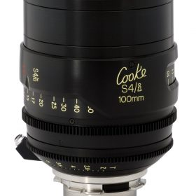 Uncoated Cooke S4/i lenses give a vintage look