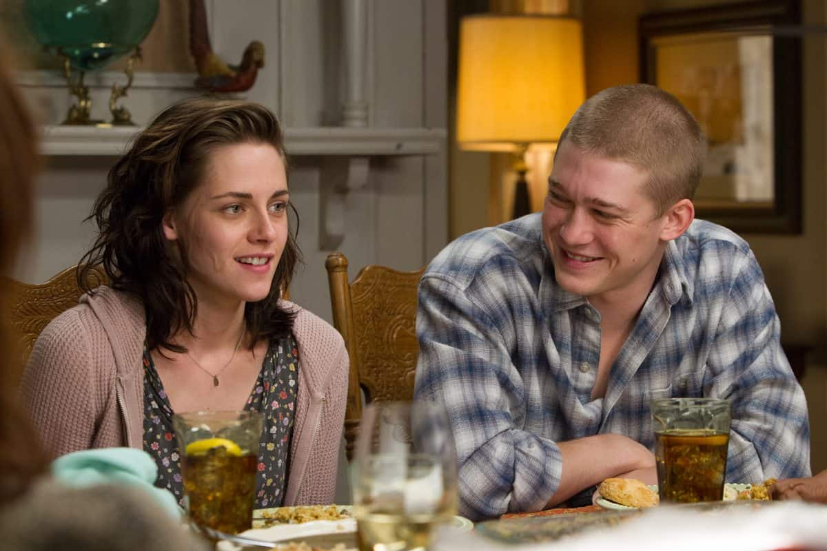 The none-too-happy family dinner celebrating Billy's too-brief return from the war - Kristen Stewart and Joe Alwyn
