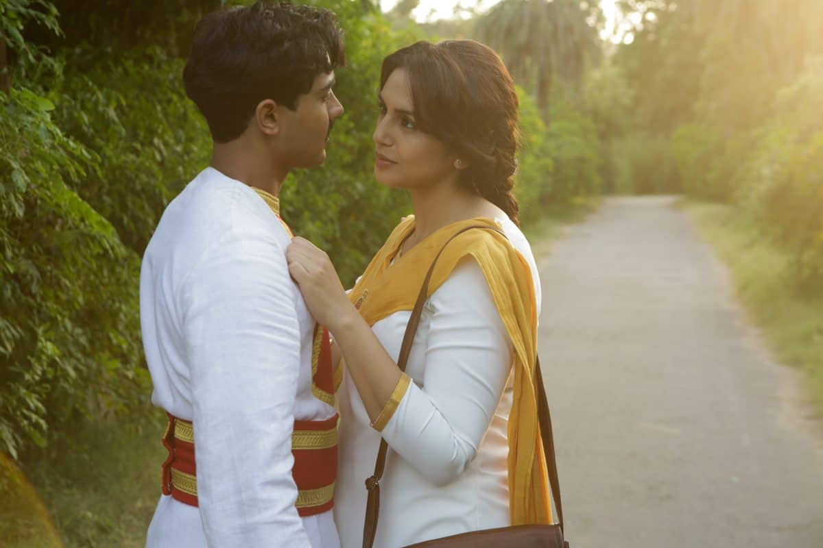 Manish Dayal (Jeet) and Huma Qureshi (Aalia)