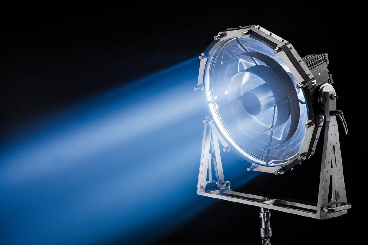 The DPB70 parallel beam light from Dedolight