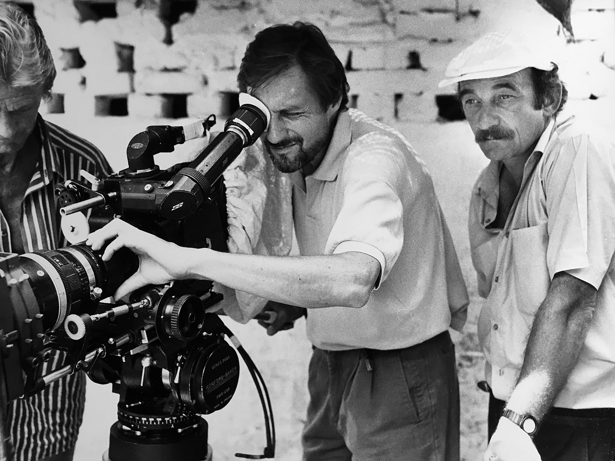 Peter Biziou and director Roland Joffe checking a shot on <em>City Of Joy</em>