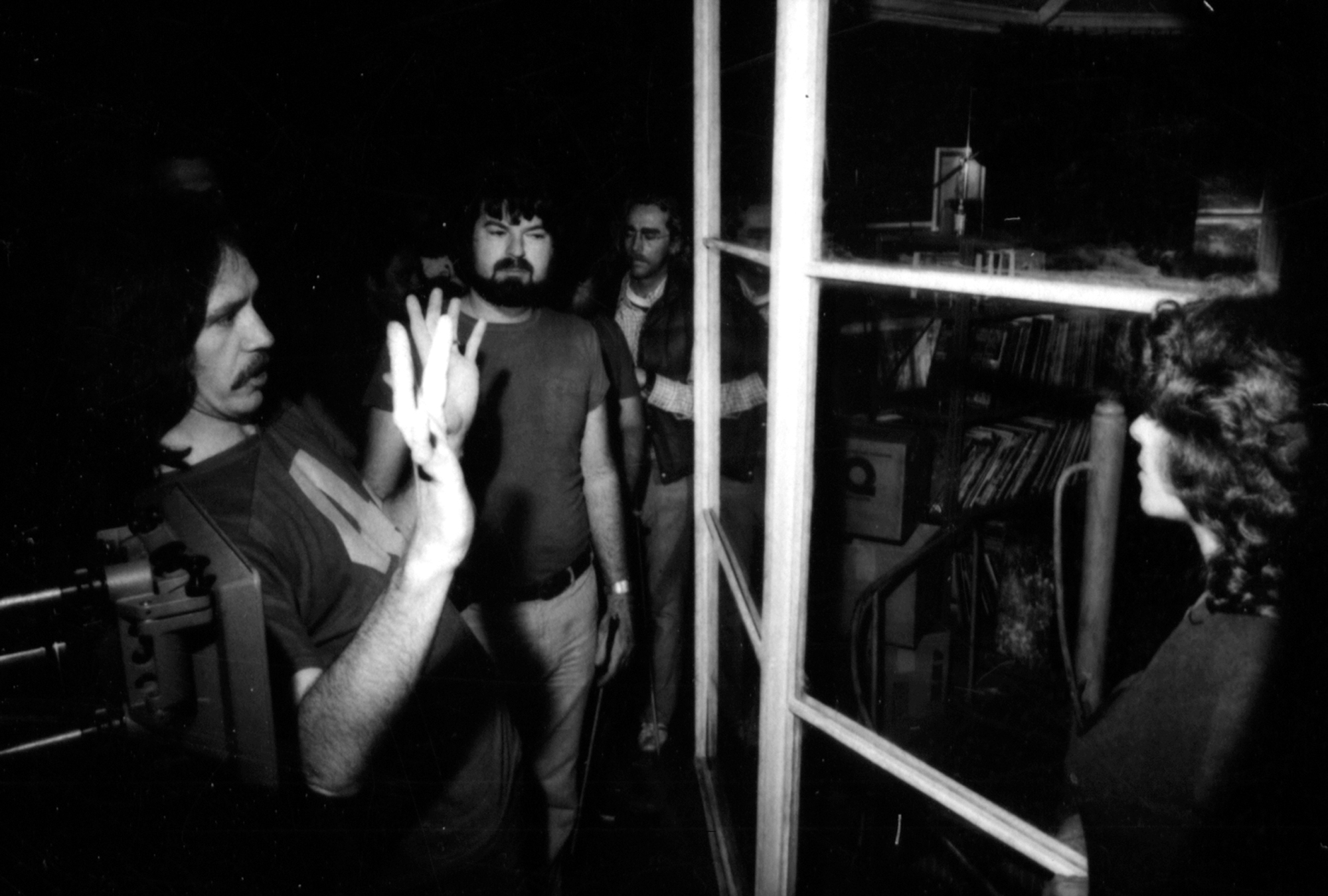 Escape from New York Carpenter and Cundey on set with Adrienne Barbeau