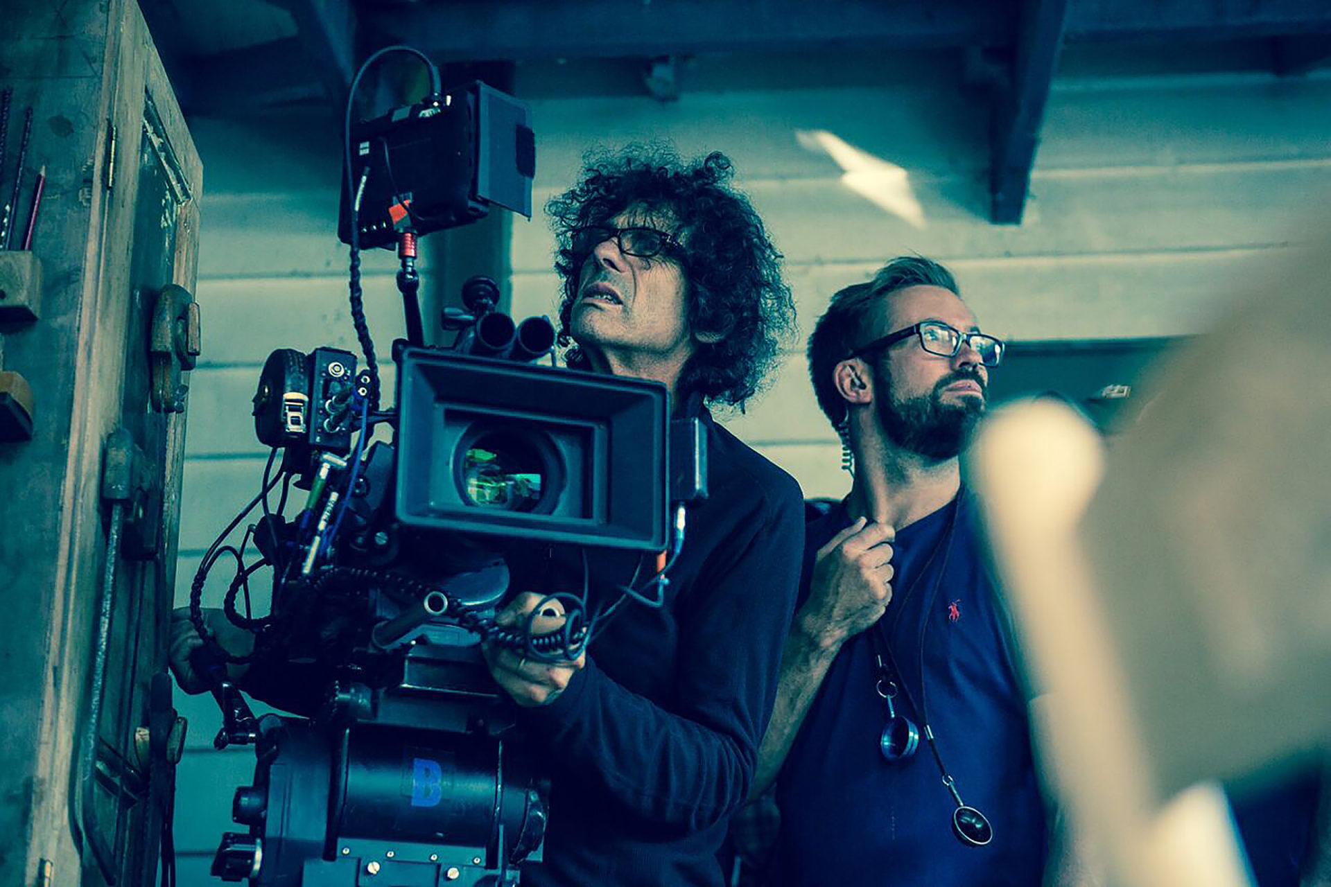 On set with Bojan Bazelli ASC on <em>Pete's Dragon</em>. Photo: Eric Zachanowich