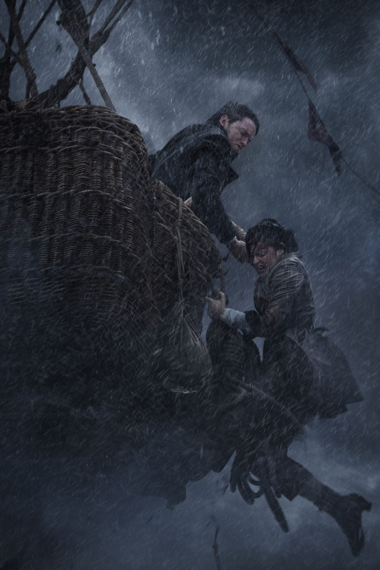 Eddie Redmayne and Felicity Jones in THE AERONAUTS Photo: Courtesy of Amazon Studios