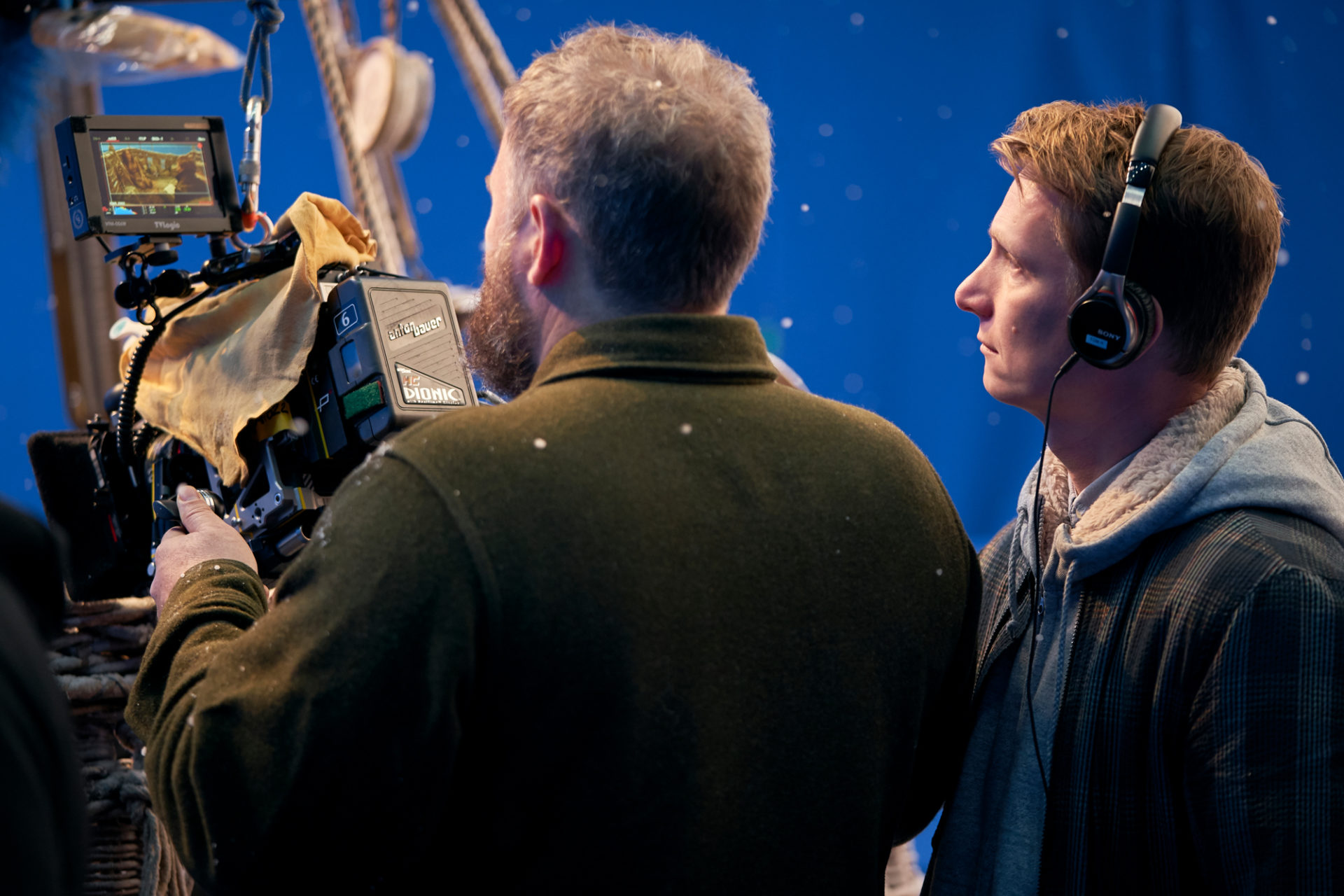 Cinematographer George Steel with Director Tom Harper on the set of THE AERONAUTS
