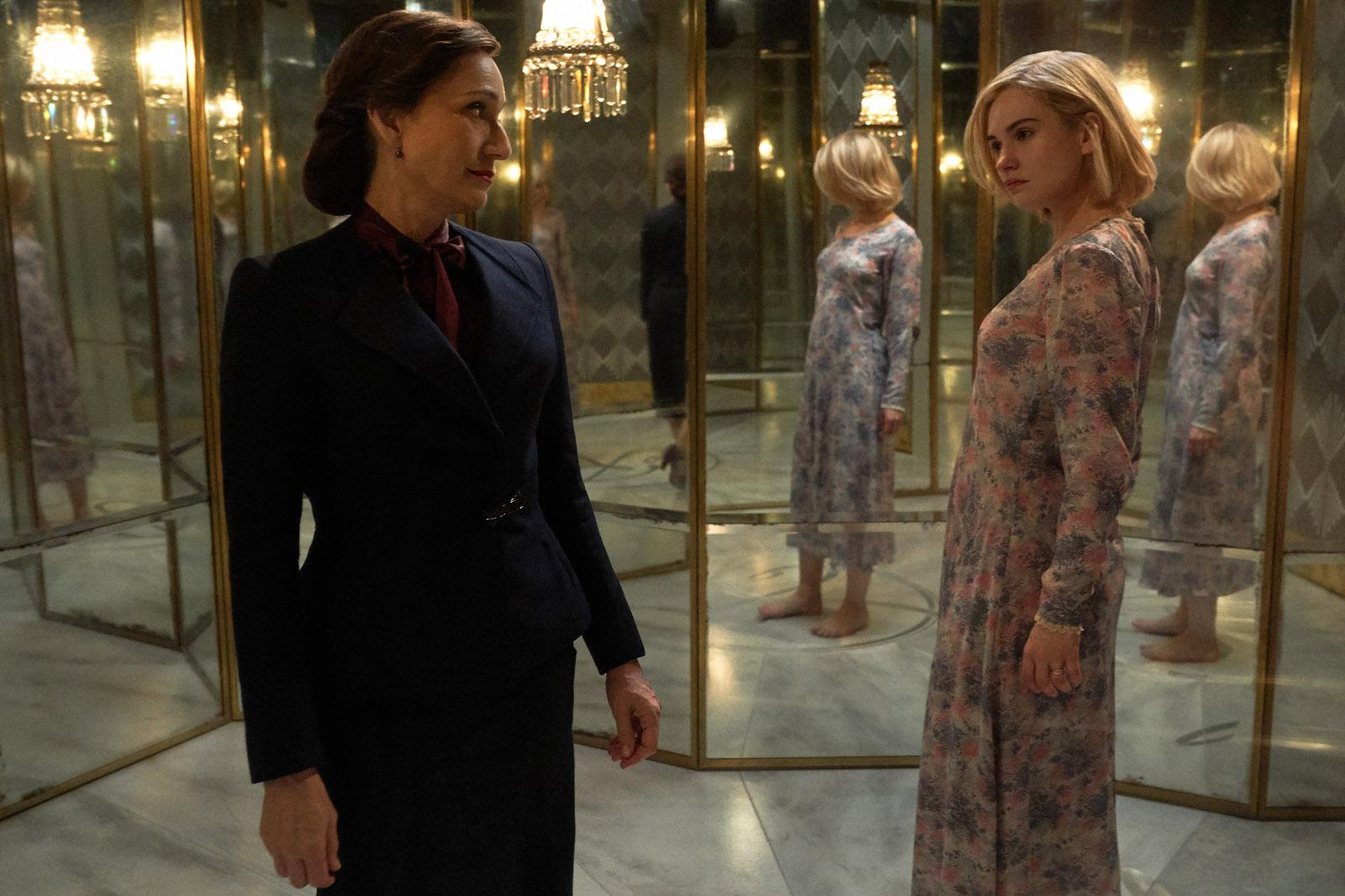 Rebecca:(L to R) Kristin Scott Thomas as Mrs. Danvers, Lily James as Mrs. de Winter. Cr. KERRY BROWN/NETFLIX