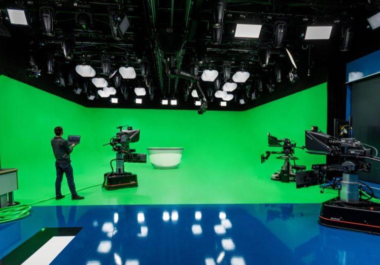 2-arri-lightnet-broadcast-studio-photo-arri-thomas-kierok
