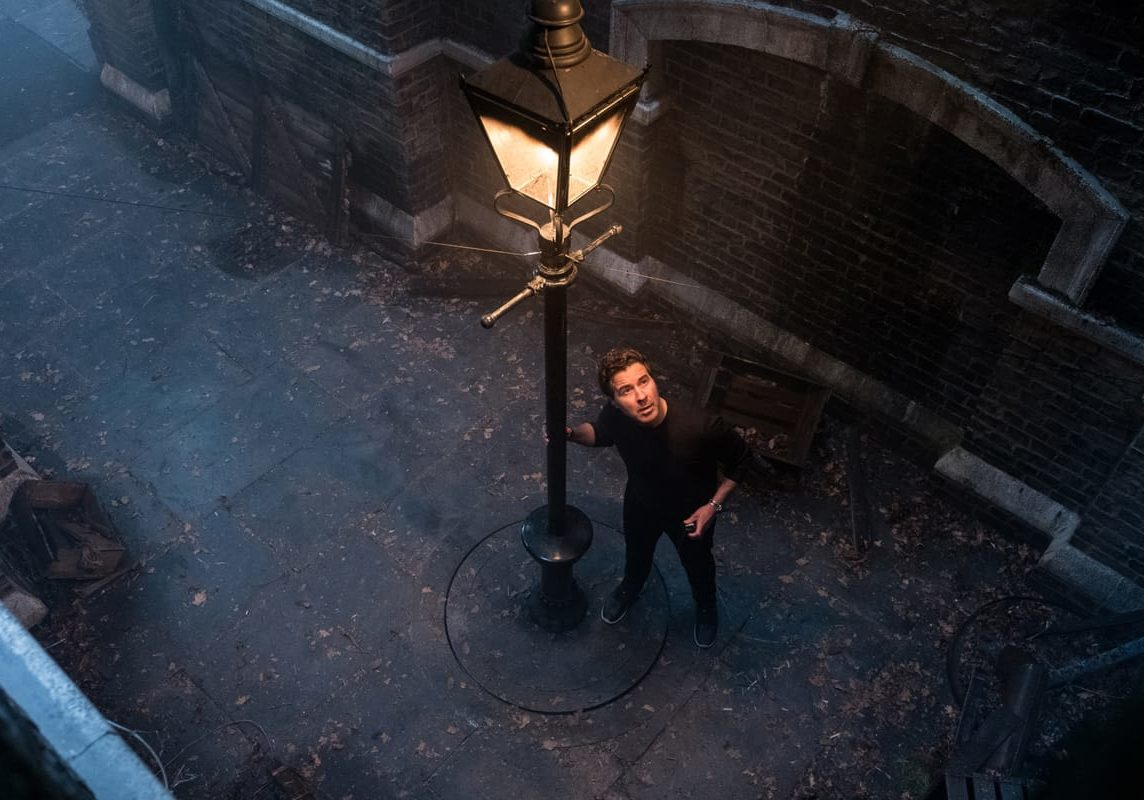 Dion Beebe on the set of Disney's MARY POPPINS RETURNS.