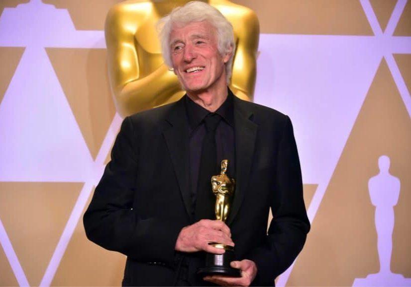 Roger Deakins receiving the Oscar® for <em>Blade Runner 2049</em>